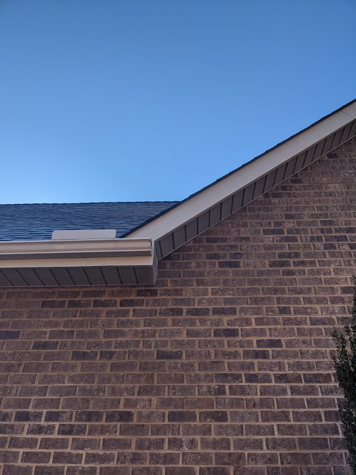 Soffits are clean and no algae or mold remains